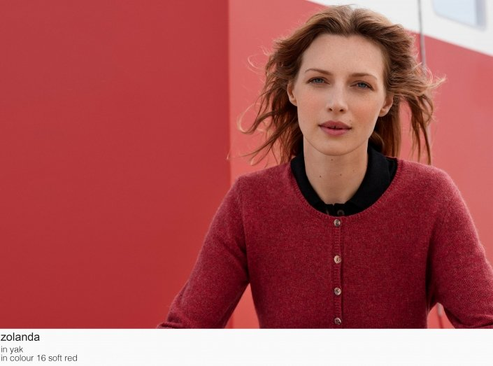 mansted zolanda yak 16 soft red aw19 aw 2019 Knitwear quality knit multicoloured colour colourful cotton yak lambswool soft versatile feminine beautiful details fashion favourite autumn winter bright colours pullover jumper t-shirt cardigan jacket strik kvalitetsstrik farverig bluser trøjer feminin strik til kvinder